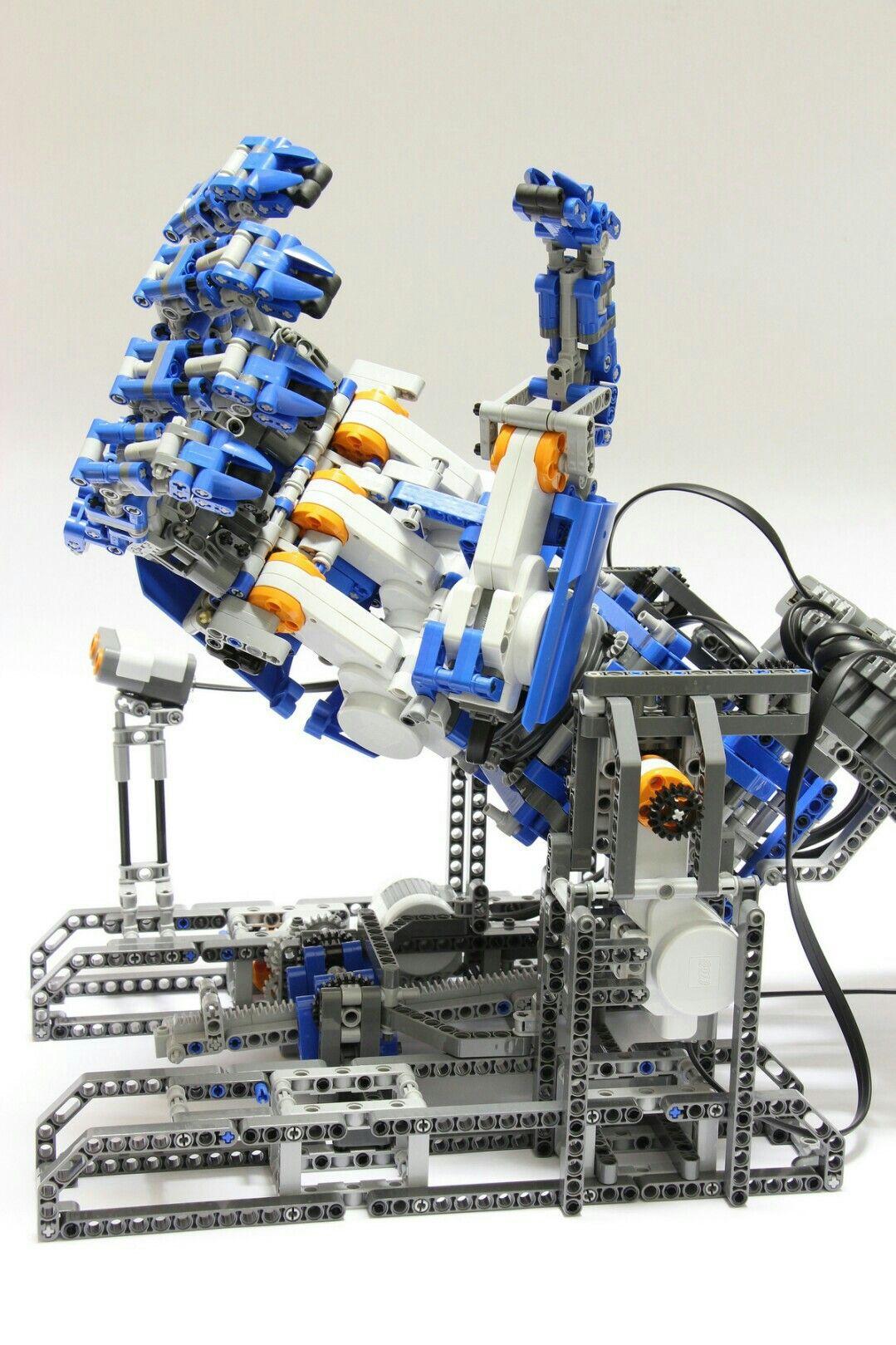 LEGO MINDSTORMS NXT robotic humanoid hand | Bionicle | Lego