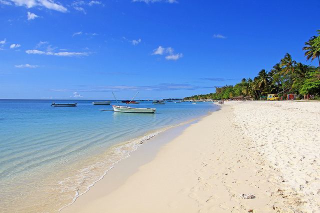 Kilometer-long stretch of powder-white sand beaches in Flic-en-Flac.