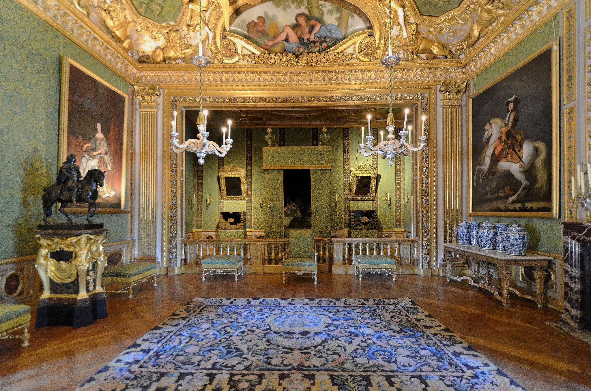 Chateau De Vaux Le Vicomte Seine Et Marne Chambre Du Roi Watch Tower Seine Et Marne Marne