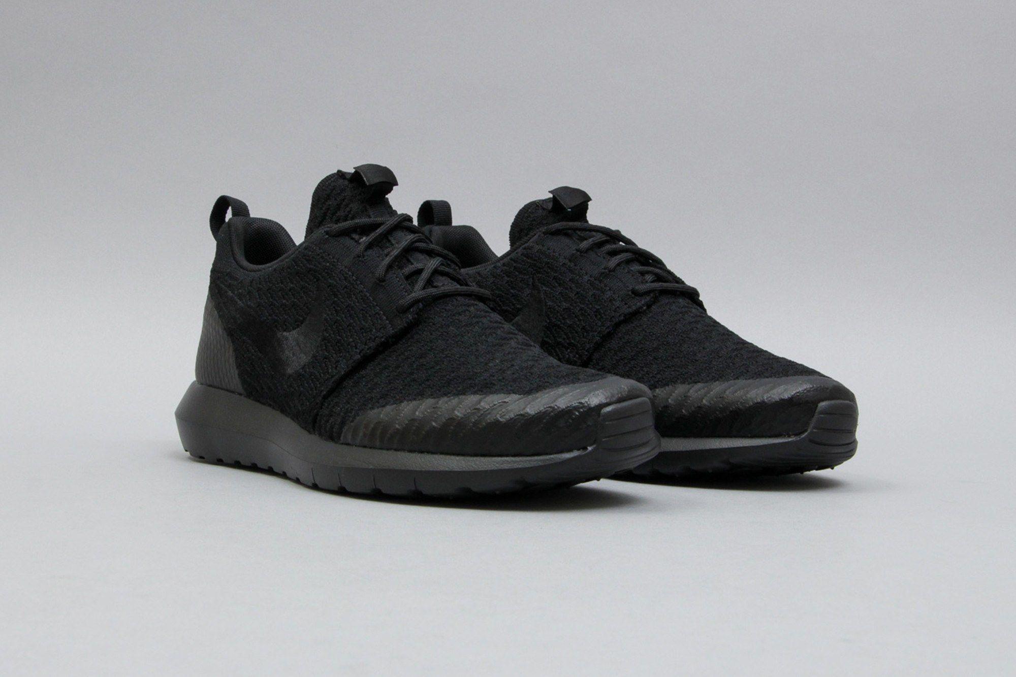 Nike Roshe One NM Flyknit SE Black Black 816531-001 (Schwarz) from B V D S T f30f9c6b18