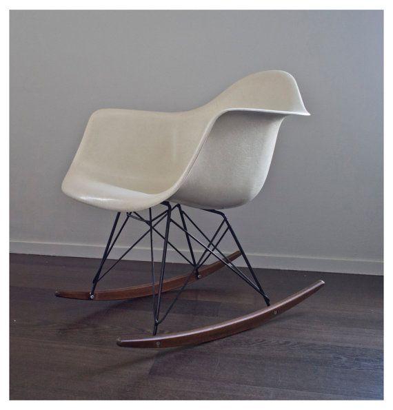 Charles e Ray Eames Fiberglass armchair RAR White Herman Miller