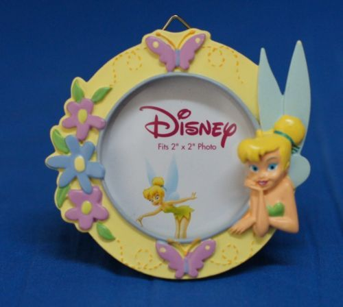 Tinker-Bell-3-034-Round-Yellow-Resin-Picture-Frame-2-034-x-2-034-photo-Disney-Enesco