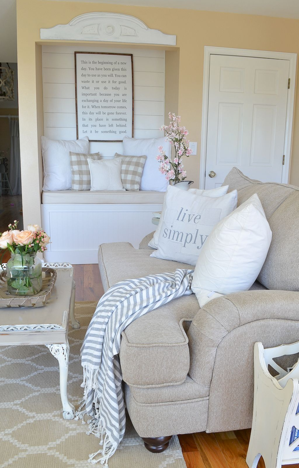 Awesome 99 Cute Shabby Chic Farmhouse Living Room Decor Ideas More