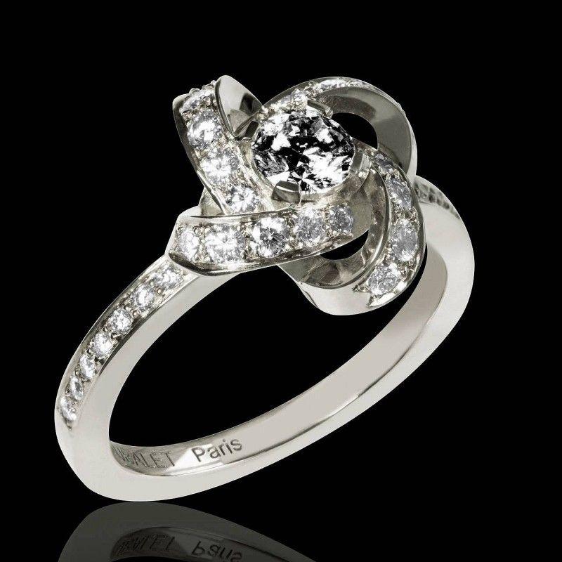 bague diamant en forme de fleur
