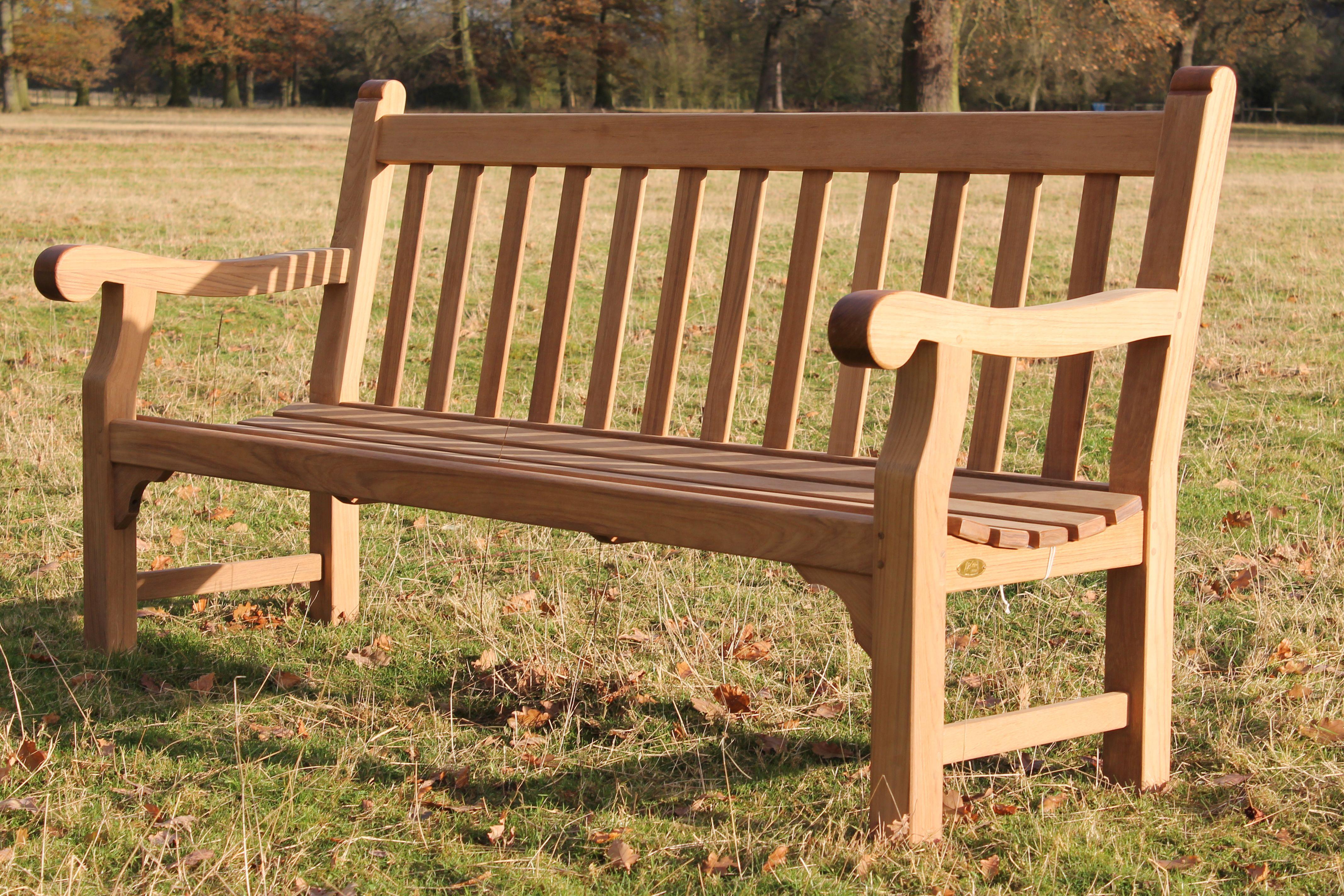 Lister Mendip Bench Lister have been making quality hardwood