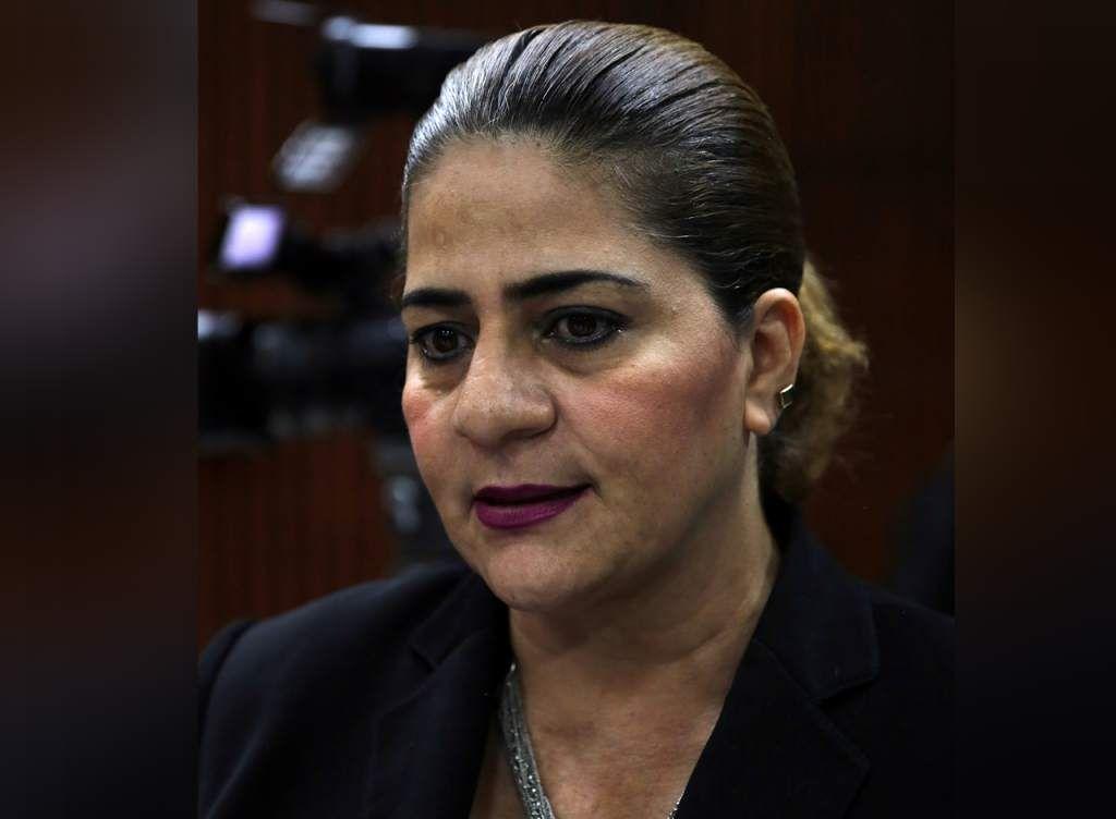 Diputada hondureña propone ley para control natal  Waldina Paz propone crear incentivos para padres de escasos recursos que decidan no tener más de dos hijos. La diputada Liberal, Waldina Paz, propuso la iniciativa esta semana.