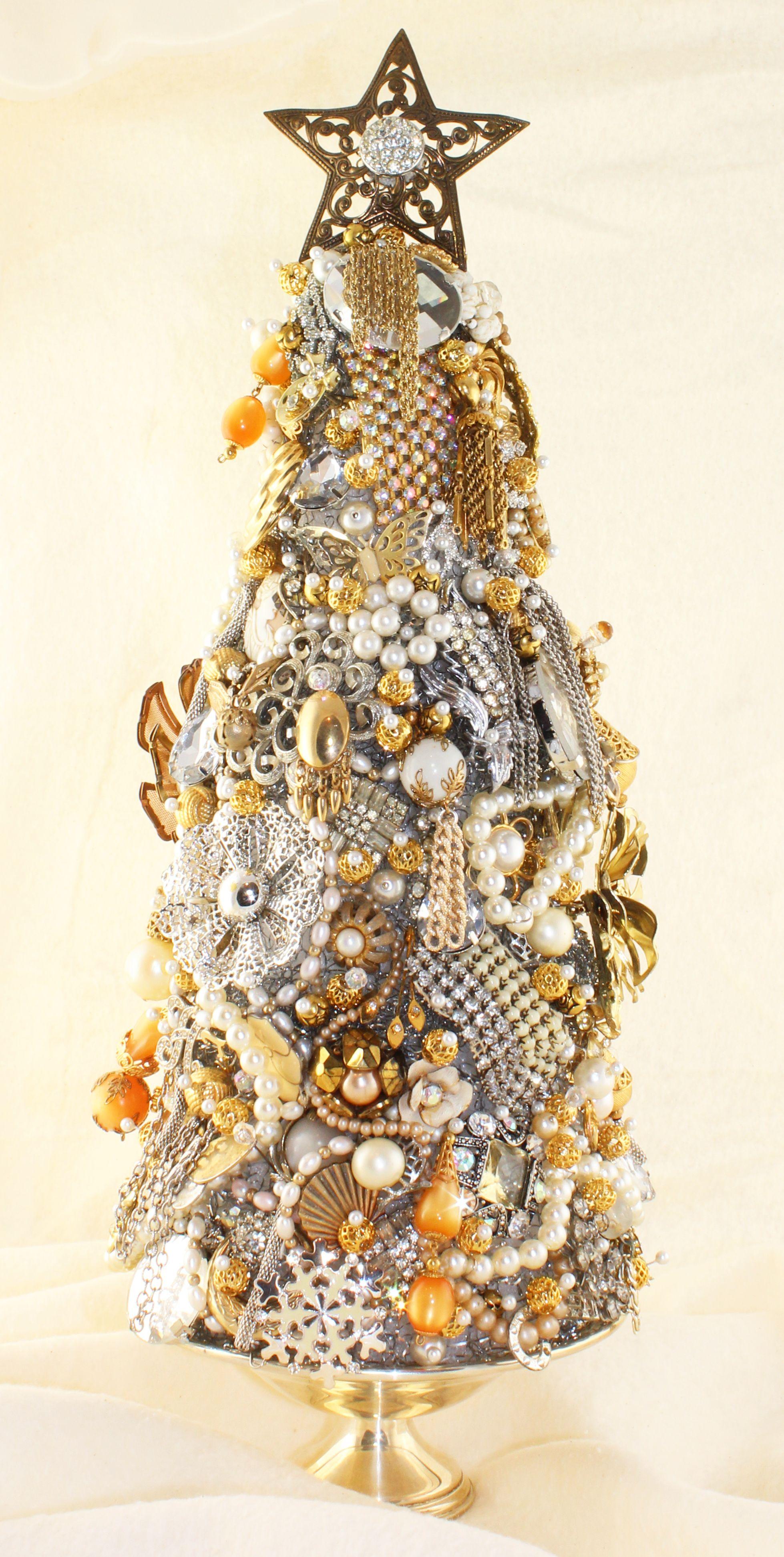 Make A Sparkling Diy Jewelry Christmas Tree
