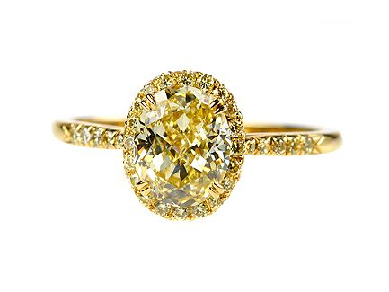 18ct Yellow Gold Oval Diamond Cluster engagement ring Centre Stone 1.45ct  Fancy Yellow diamond VVS2