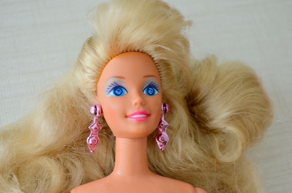 4d91de6dbf Boneca Barbie Brilho Mágico da Estrela 1992   Barbie Brasil e outras ...