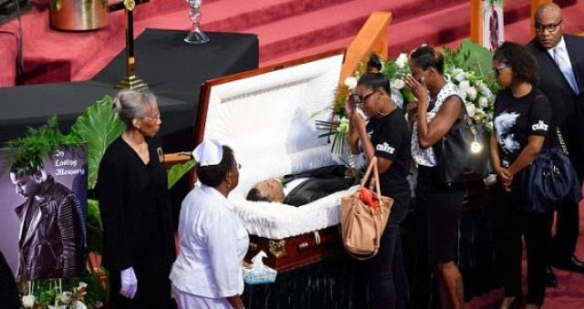 Thousands show up for slain rapper Chinx Drugz funeral: Pics - https://