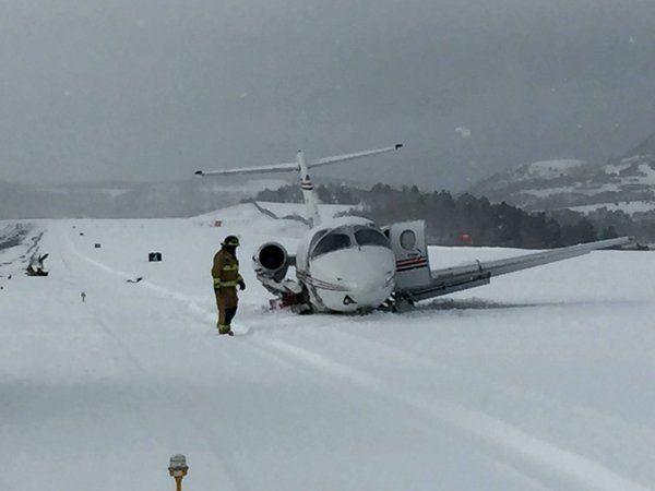 Beechjet 400 Hits Snowplow While Landing On Closed Runway