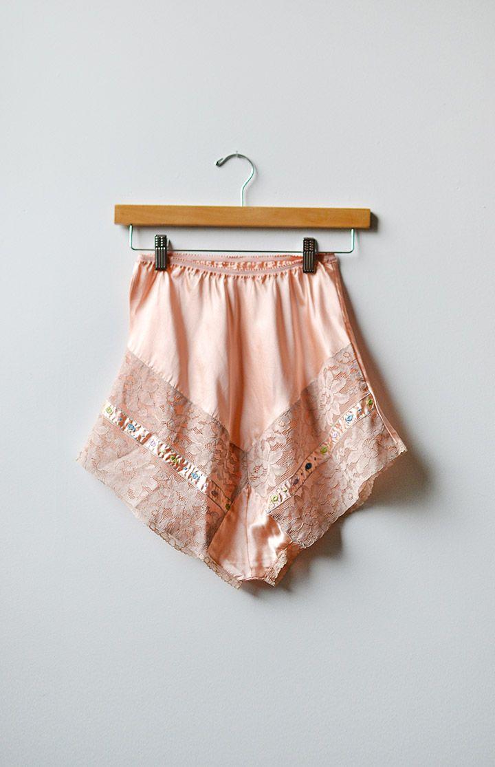 Vintage 40s tap pants 1940s pink lace bloomer panties boy shorts Vintage tea rose taffeta tap shorts