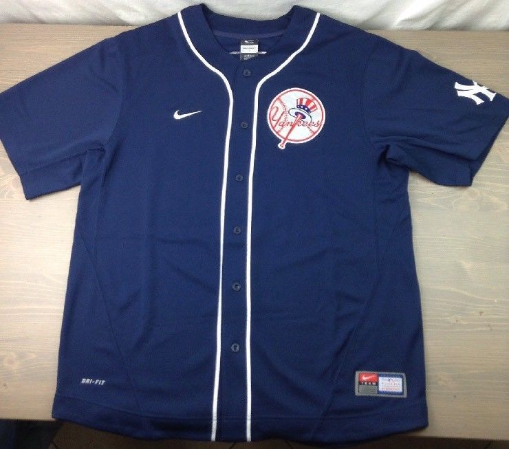 low priced e2b84 38407 New York Yankees Jersey Large Mens Derek Jeter #2 Nike ...