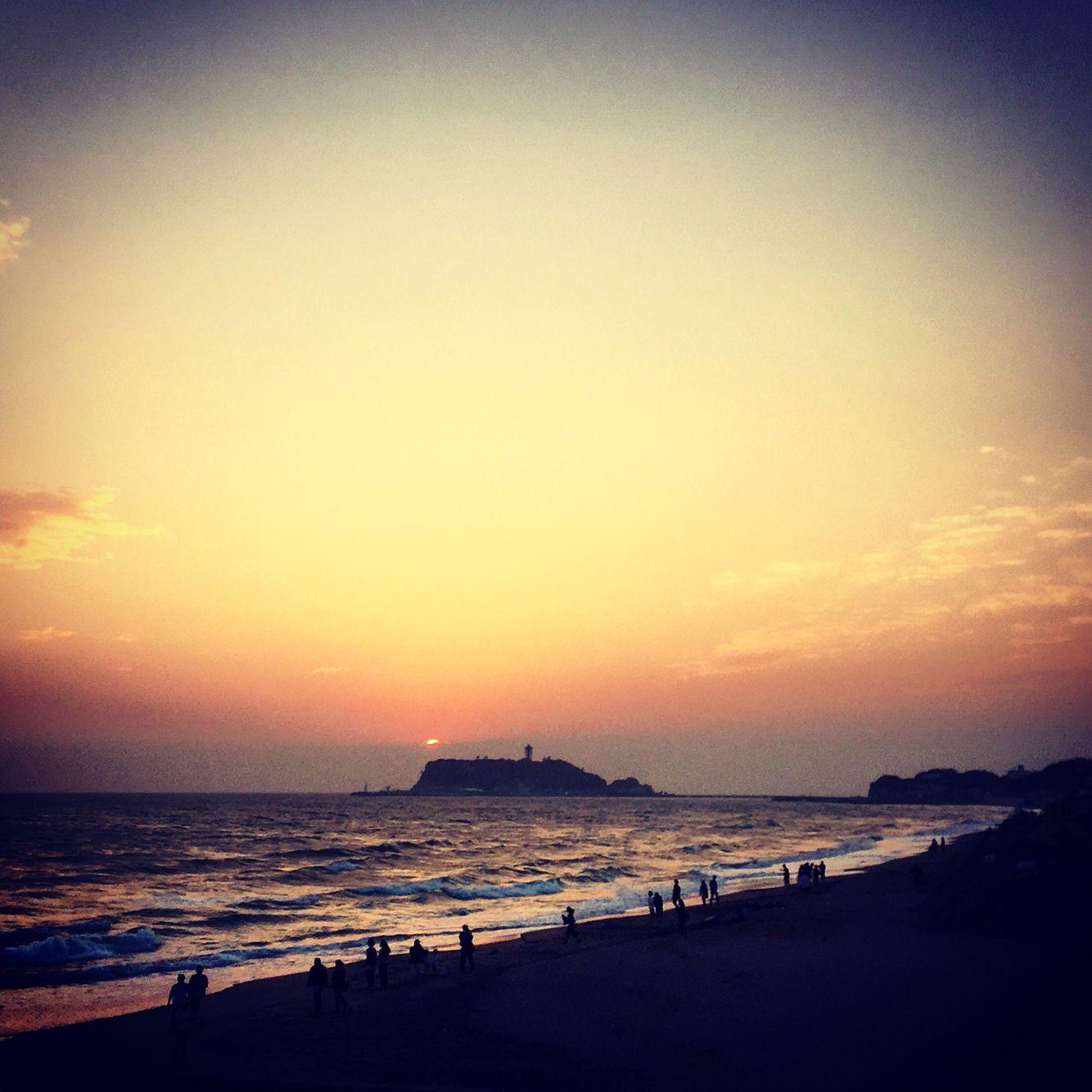 #shichirigahama #kamakura #shonan #japan #surfpoint #goodwave #swell #beach #bythesea #sunrise #sunset #Instagrame @8s