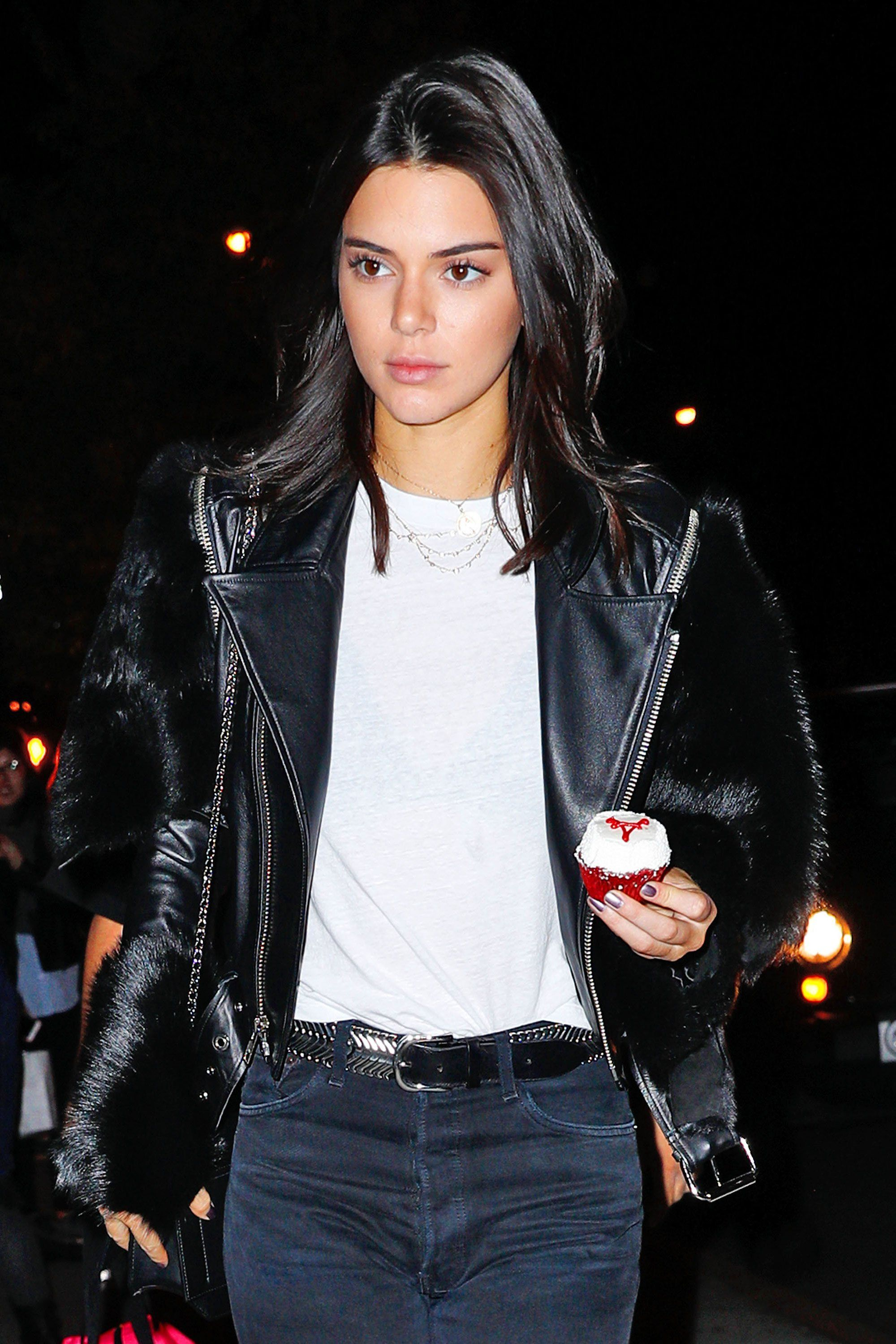 The Secret To Kendall Jenner S High Gloss Hair Kendall Jenner Hair Kendall Jenner Haircut Kendall Jenner Short Hair