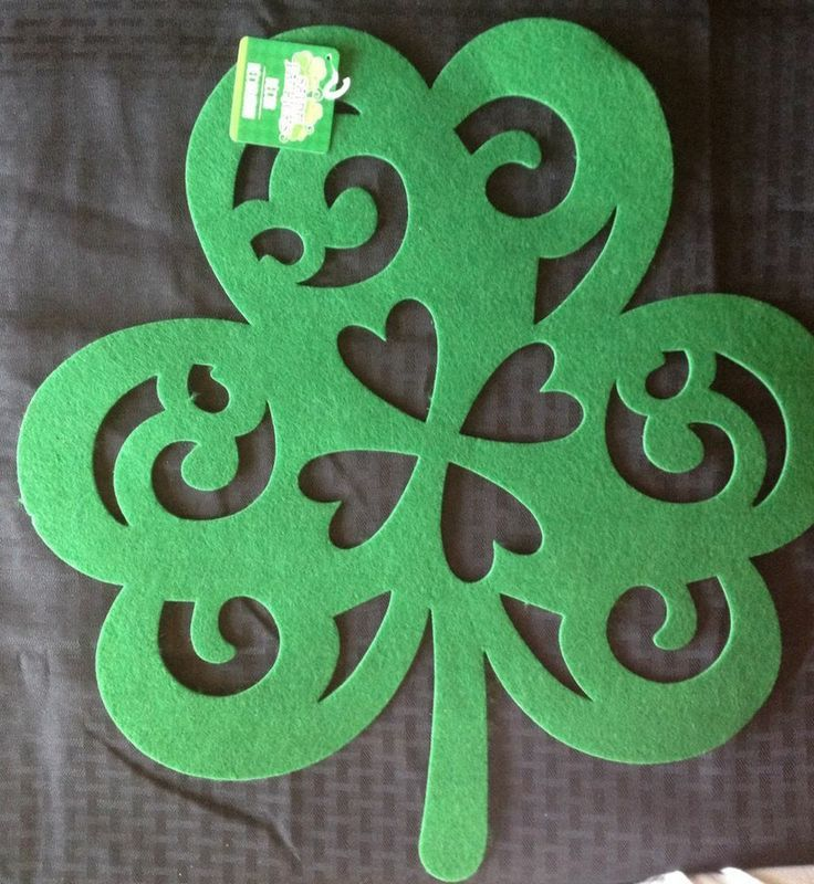 "large felt shamrocks | ... Felt Extra Large Shamrock 18""x18"": St. Patricks Decorations Placemat"