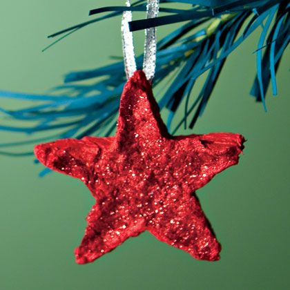 Homemade-Paper Stars - Christmas ornaments a toddler can make tree