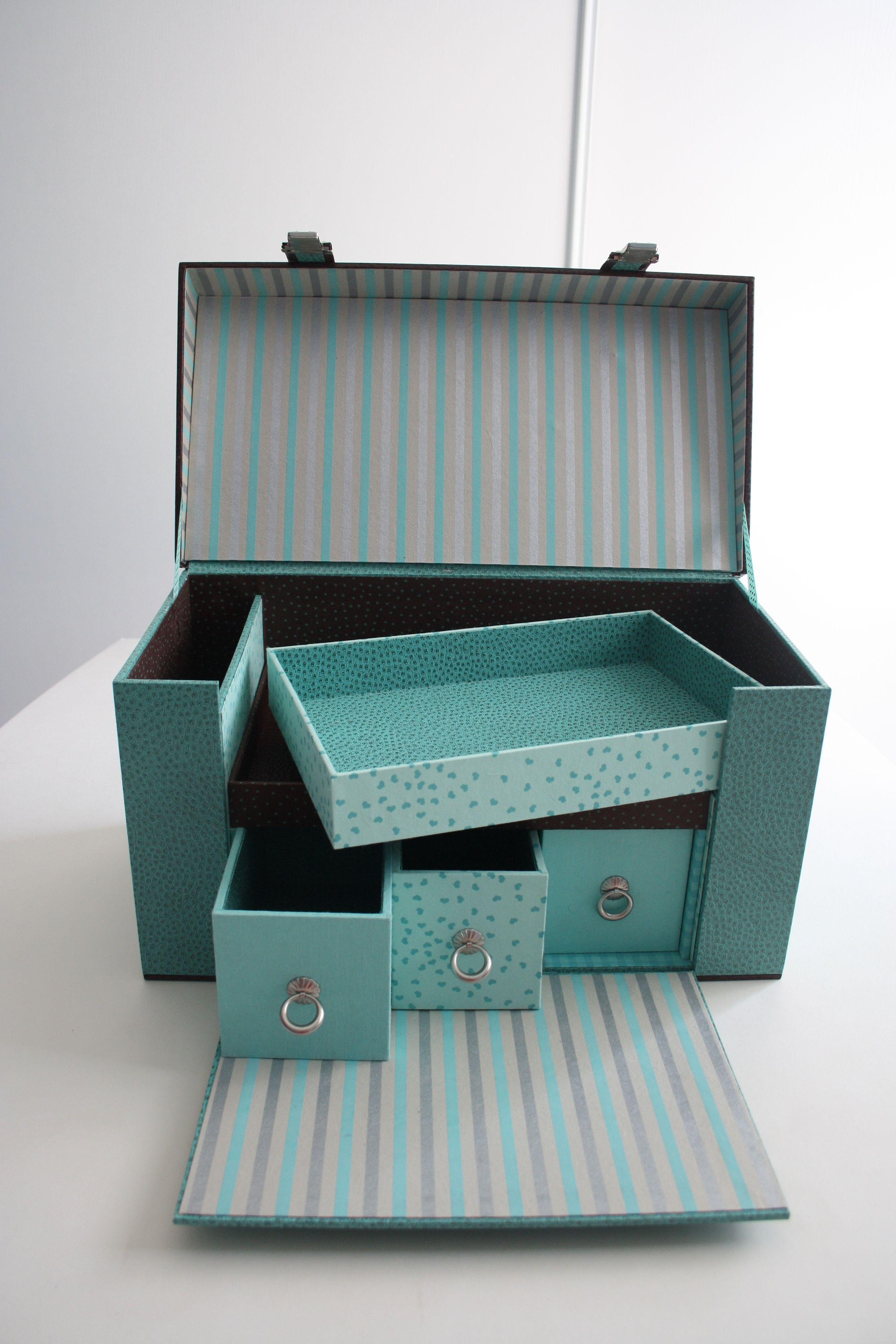 Boite Rangement Papier Toile 32cm Clynk Fleur Sur Fond Bleu La Folle Adresse Boite Rangement Papier Boite De Rangement Rangement Jardin