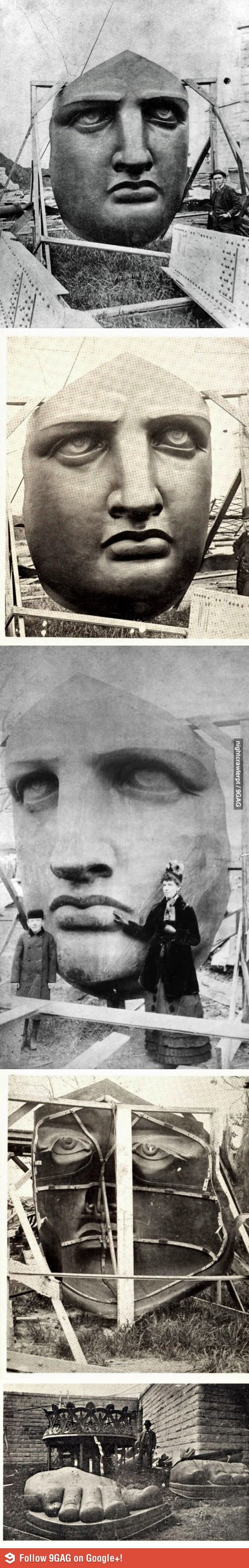 Unboxing the Statue of Liberty, 1885. ☚