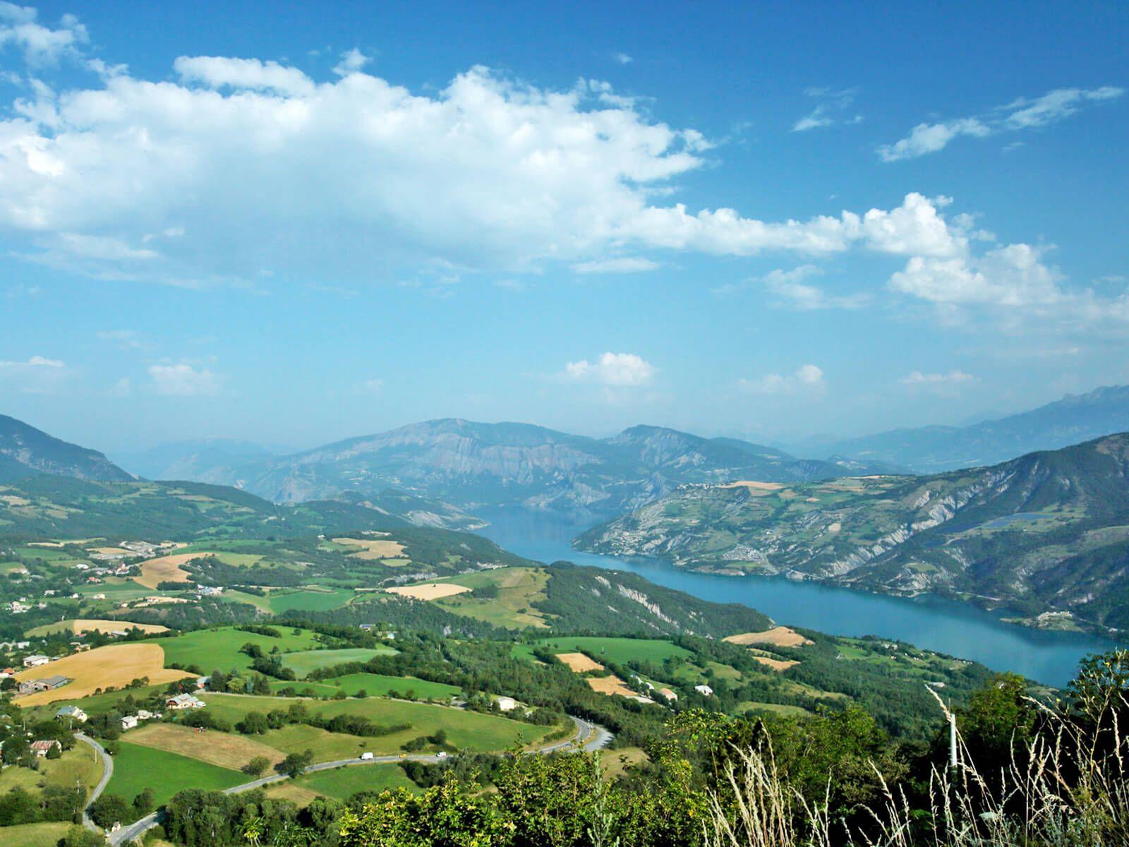 Le lac de serre pon on plus d 39 infos http www - Camping lac serre poncon piscine ...