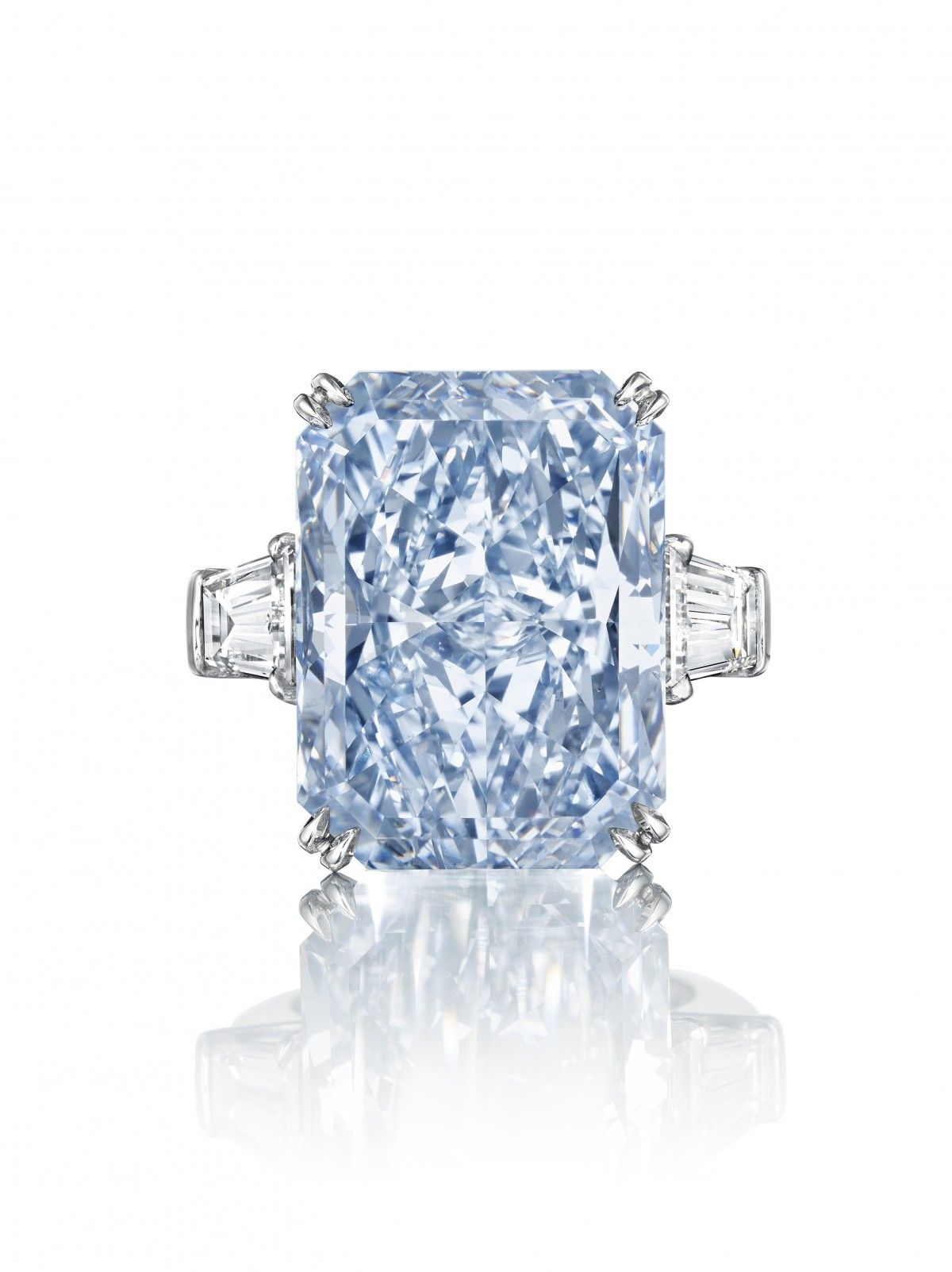 24carat 'cullinan Dream' Blue Diamond Sells For A Record Breaking $253  Million Colored Diamond Ringscolored
