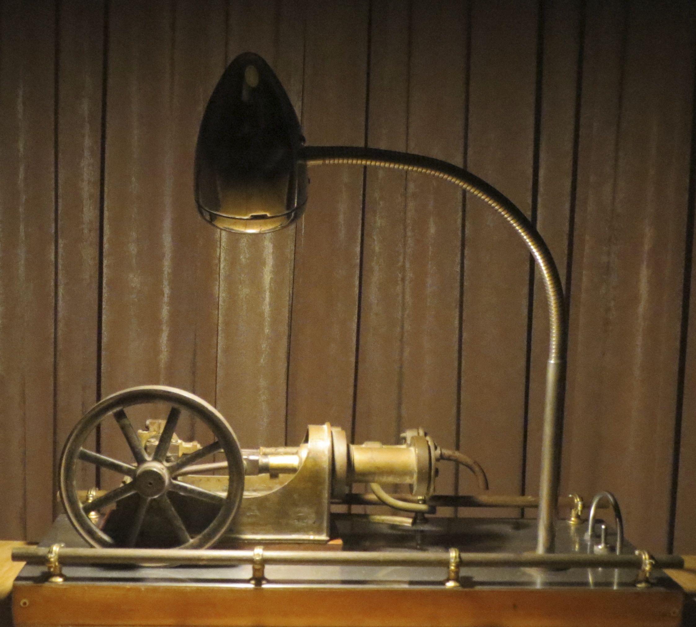 L&O 01:  single steam machine & bike lamp