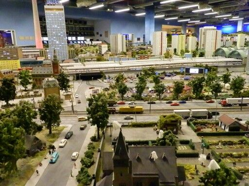 Incredible HO scale Layout in Munich!!