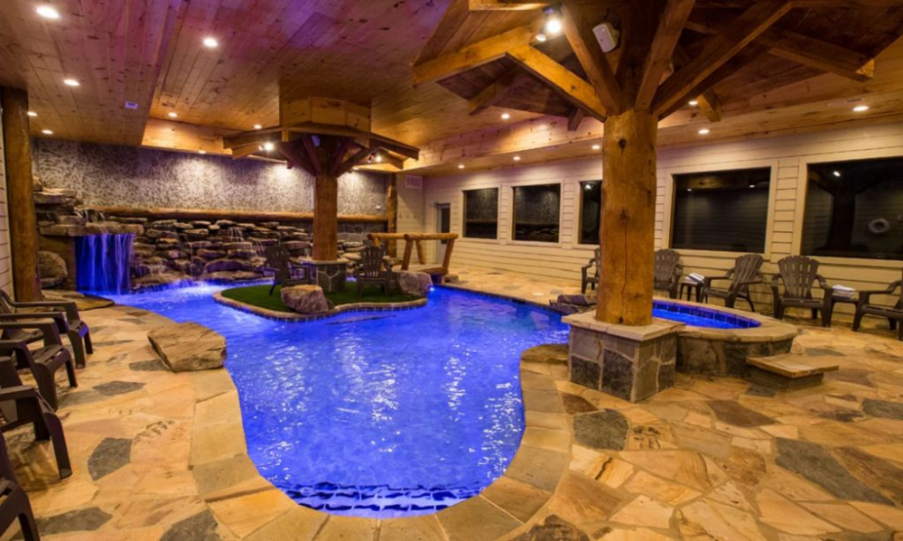 New Listing Stunning Mountain Lodge Indoor Pool 6 Bedrooms 7 1 2 Baths Pigeon Forge Tennessee Cabins Indoor Pool Gatlinburg Cabins