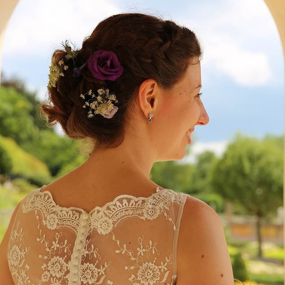 Leonberg Germany Hochzeit Wedding Hochzeitsfrisur Weddinghairideas Weddinghairstyling Hochzeitskleid Weddingdress Brautpaarfotoshooting Braut Bride Hochzeit