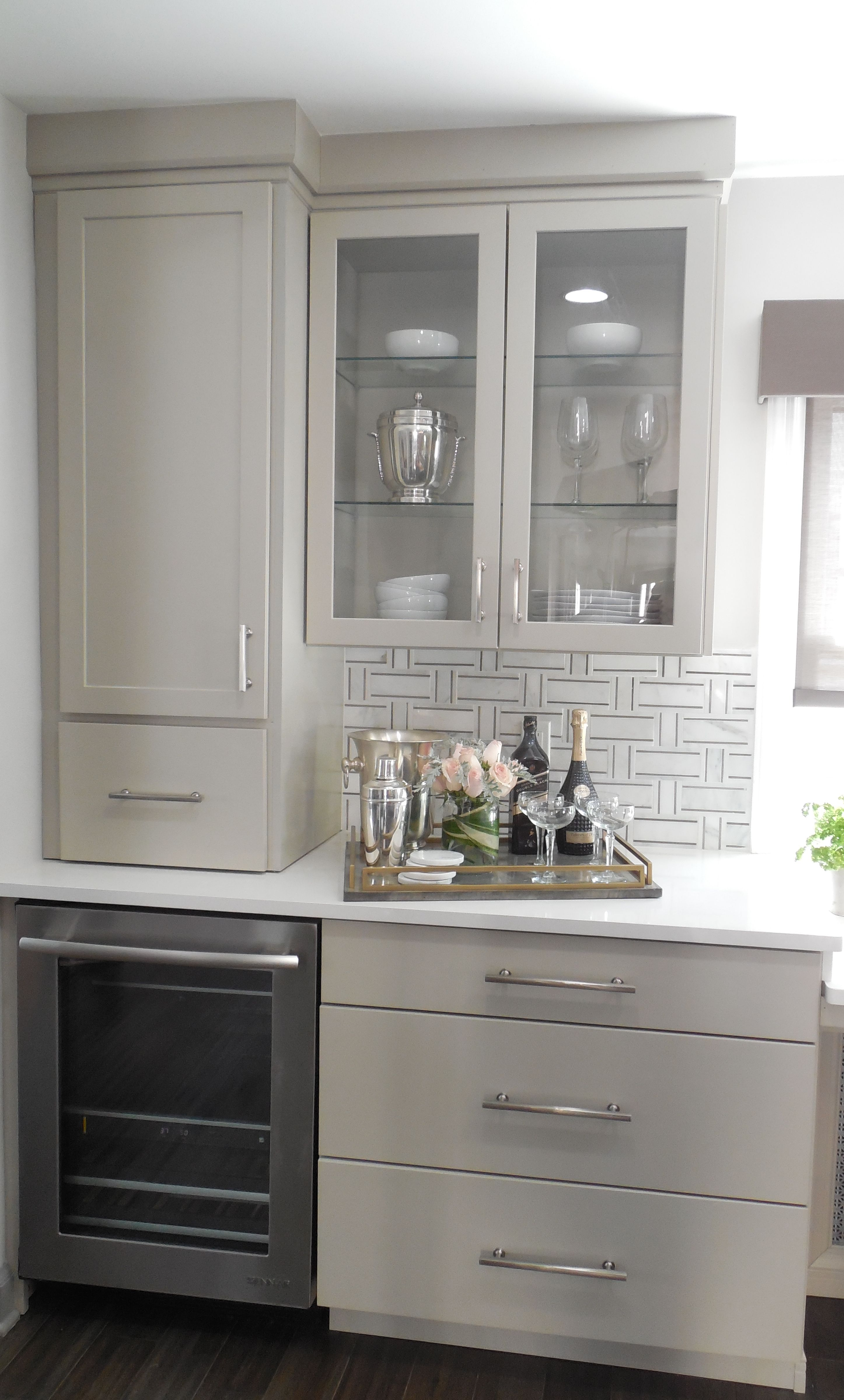 Exclusive Sneak Peek Masterbrand Is Partnering With Hgtv S Buyingsellingpb To Make K Clean Kitchen Cabinets Beautiful Kitchen Cabinets Cheap Kitchen Cabinets
