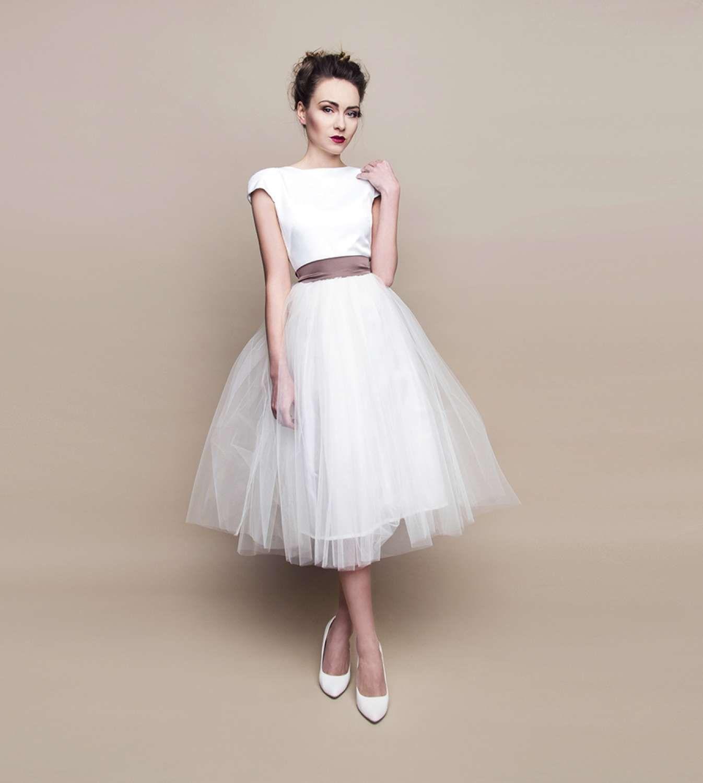 Kurzes Brautkleid im 19er Jahre Stil mit Schleife - Kleiderfreuden