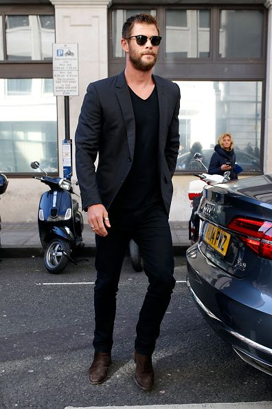 b1cea969912 Actor Chris Hemsworth spotted in London wearing Tod s Suede Chelsea Boots.   Tods  Celebrity  ChrisHemsworth