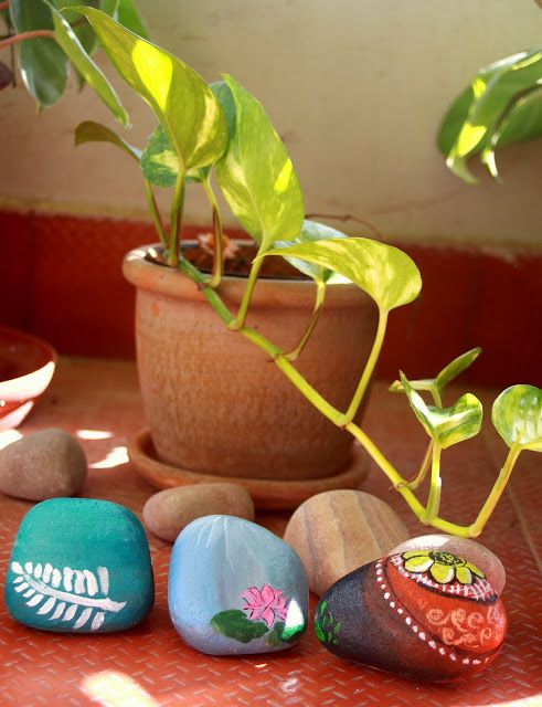 Pebble art for the small balcony garden via  sunny yellow window also best diy  decor images on pinterest in creative rh
