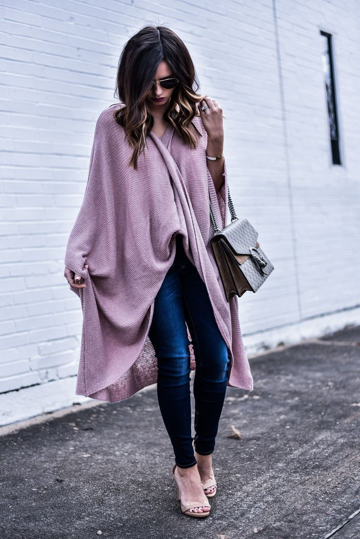 Tiffany Jais The Houston Style Blogger Of Flaunt And Center Wearing A Wrap Poncho From Anthropology Dark Wash Skinny Jeans With Steve Madden Heels