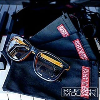 Francis Moleon  Eyewear Collection  Wood Glasses & Frames Handmade  Trabajamos Artesanalmente para darte productos únicos y de Calidad  #francismoleon #woodglasses #instapic #luxury #eyewear#platinum#1 #blue#instagood #celebrity #beautiful #follow #ootd #sunglasses #love #music #lifestyle #fashion #skate #surf #girl #live #new #trend #bloggersalc #red#instalike #instamoments #black #instagram http://tipsrazzi.com/ipost/1520294373165541659/?code=BUZK61yjqkb