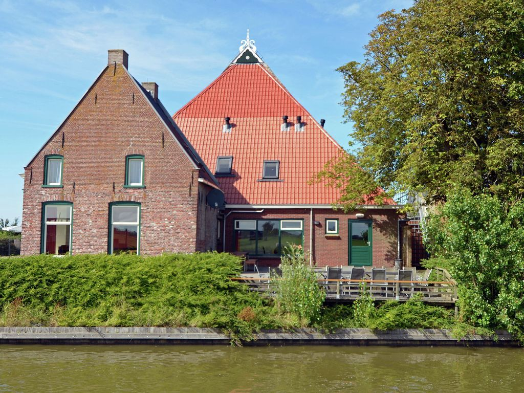The Blikvaart, stunning views with whirlpool, infrared
