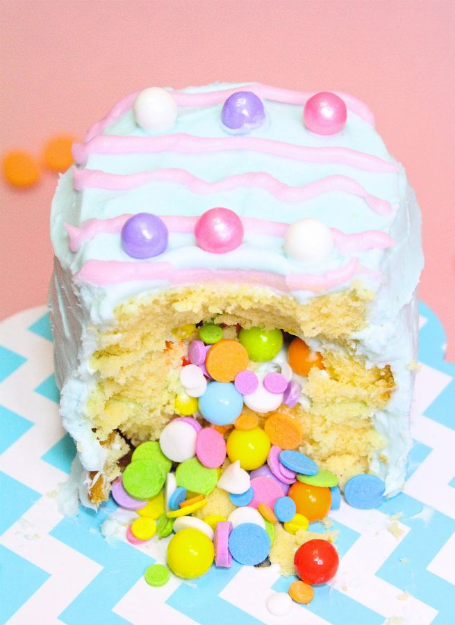 Mini No Bake Easter Egg Pinata Cakes Recipe made with Sara Lee Pound Cake from @BriteandBubbly.