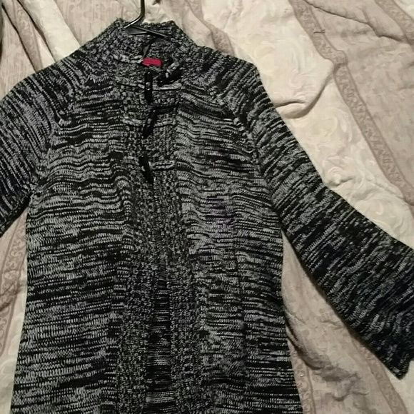 Must go by Sat! Cardigan sweater Worn a few times still in excellent condition very comfy and warm. It only buttons at the top (4 buttons) and flares at the end of sleeves. coletane Sweaters Cardigans