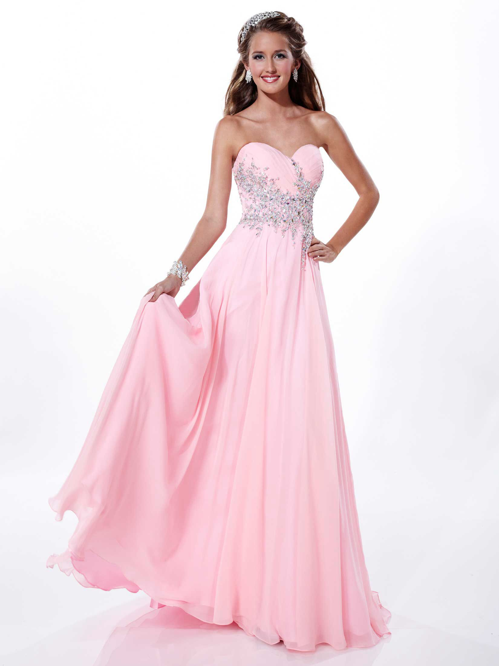 She fashions prom dresses 74