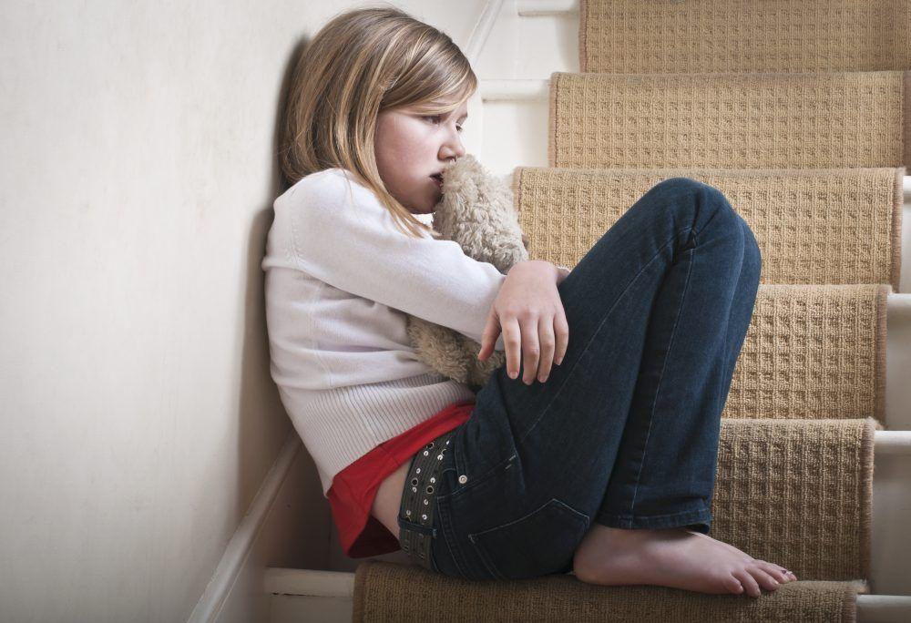 ¿Cómo enseñarle a un niño a no resignarse cuando le tratan mal?