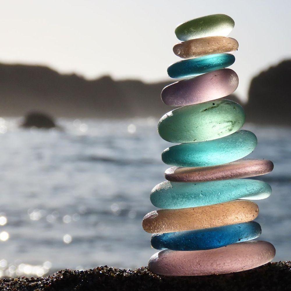 سنگهای شیشهای رنگی