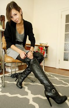 Amateur boot gallery high in thigh