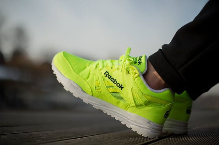 26b83cb34dcd Reebok Ventilator DG  Solar Yellow White Black