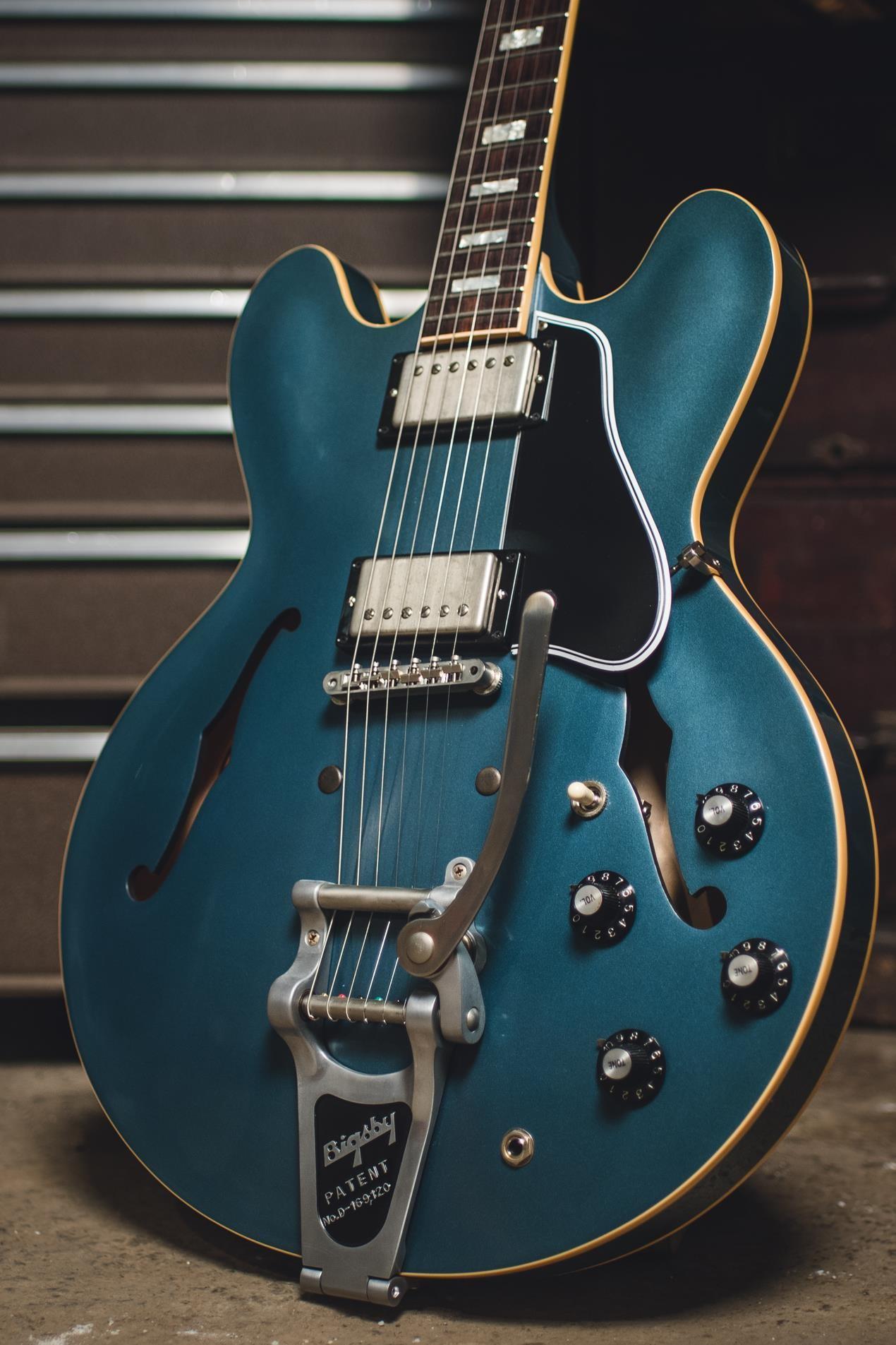 Les plus belles guitares, magnifiques, amazing, acoustiques ou électriques #electricguitars #electricguitars