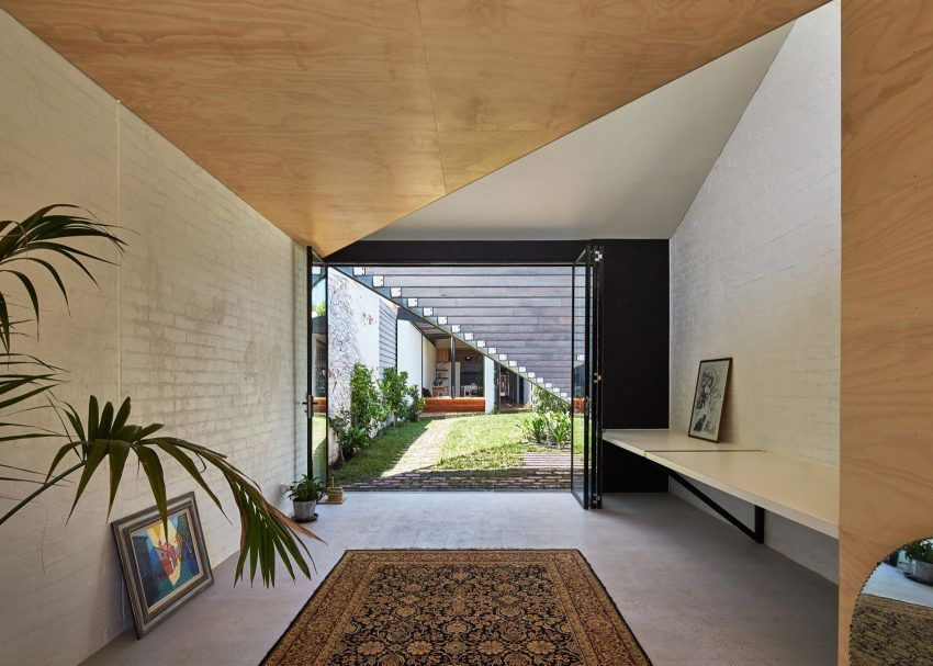 Shape And Form In Design : Architecture renovates a home in australia kites