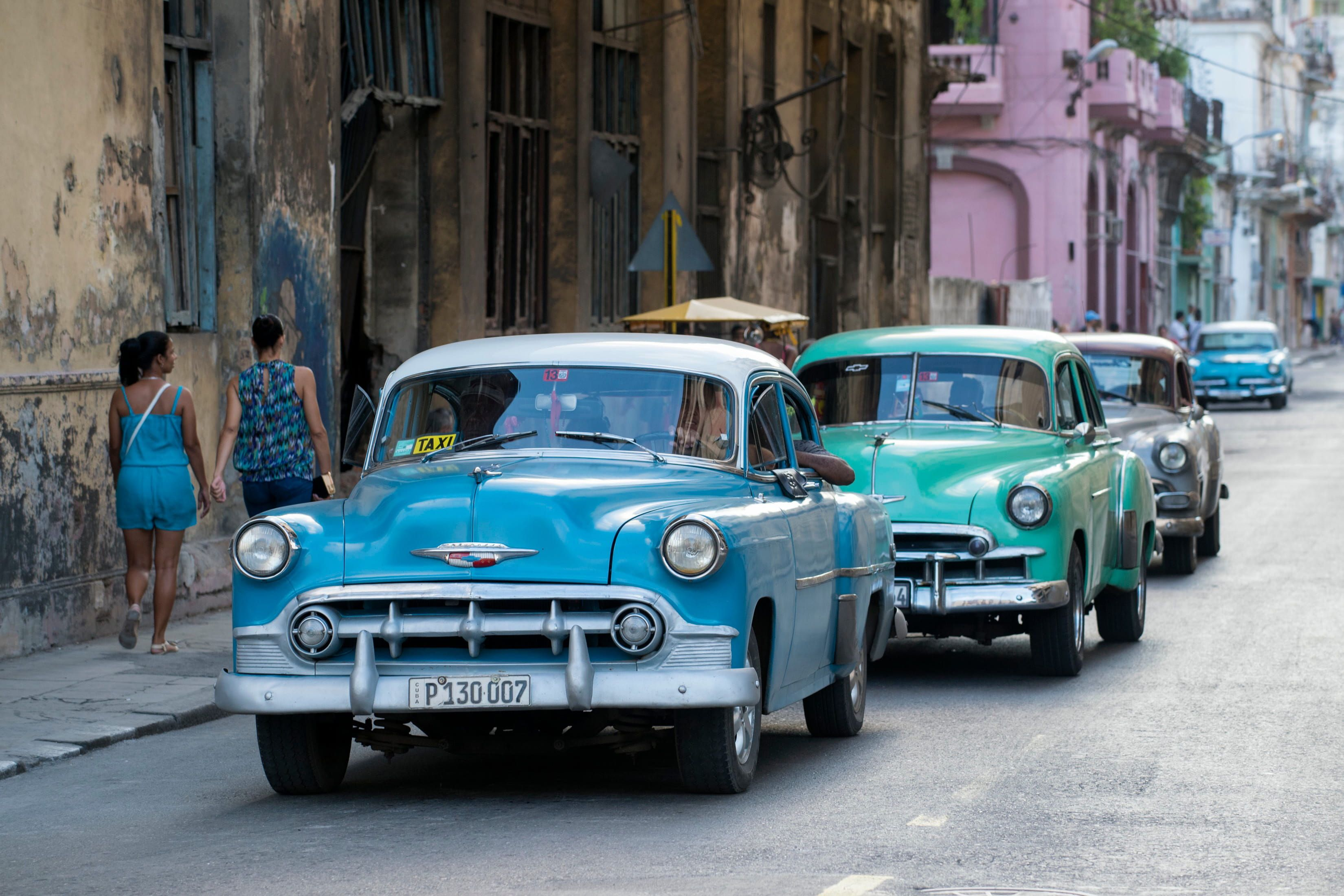 Classic cars on the streets of Havana in Cuba Classic cars #streets #Havana #Cub…