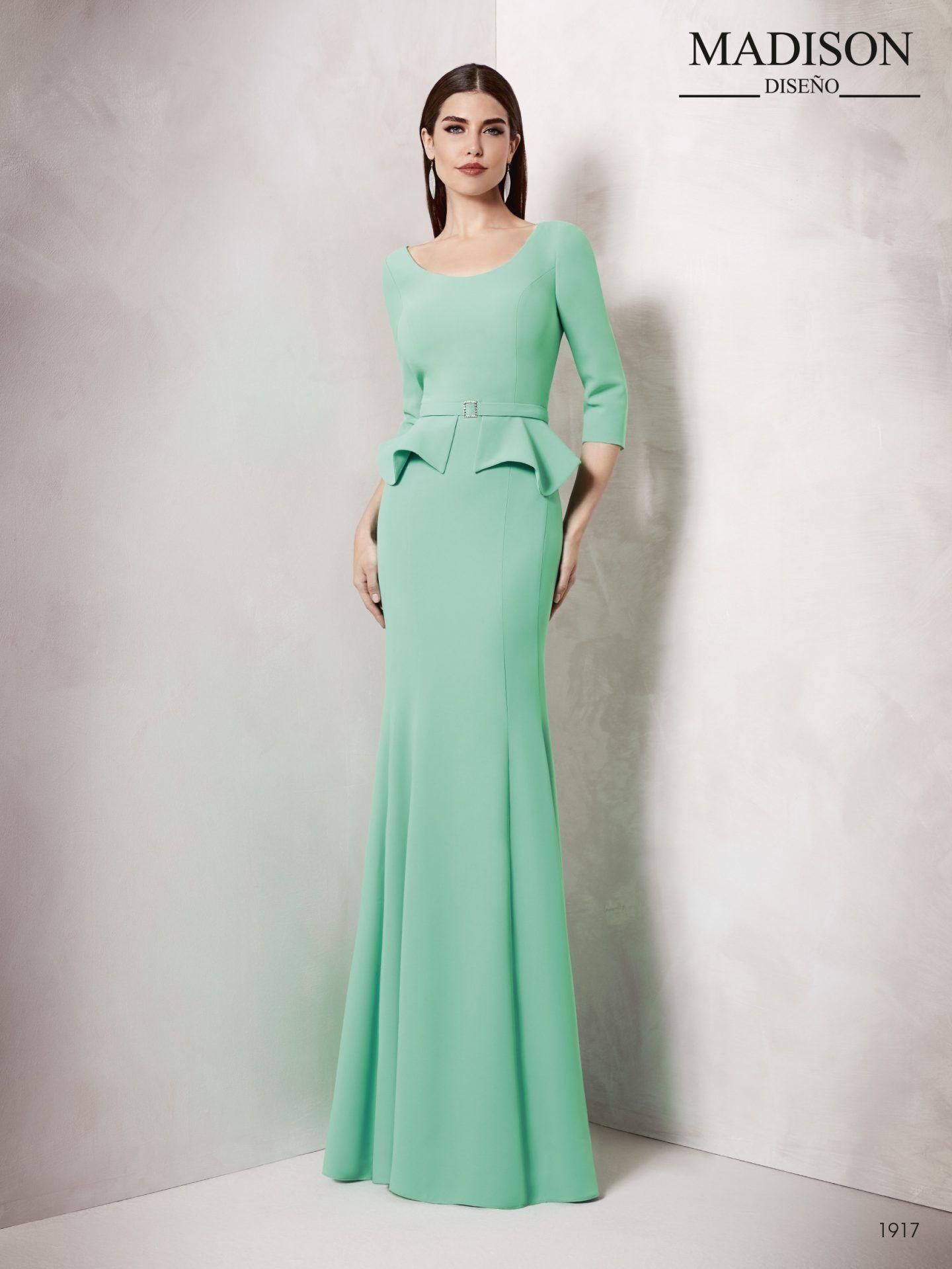 91576e529 Vestido para bodas largo con escote tipo barco y manga francesa