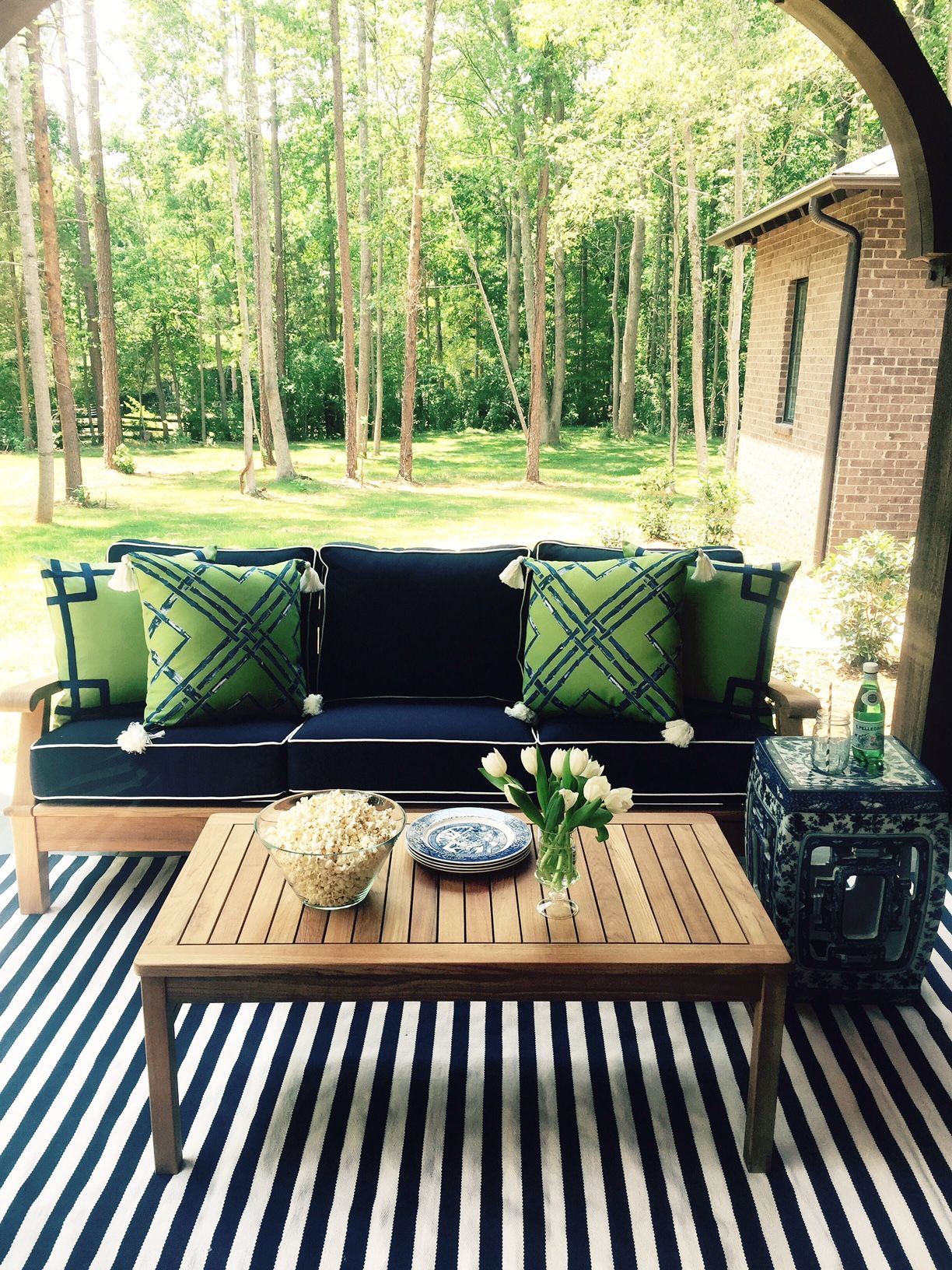 Lacefield Ginko Outdoor Pillow Collection via Charlotte designer Traci Zeller #designingwomen #outdoorliving