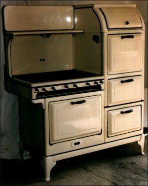 This Stove Reminds Me Of My Grandma Who Had Something Similar.