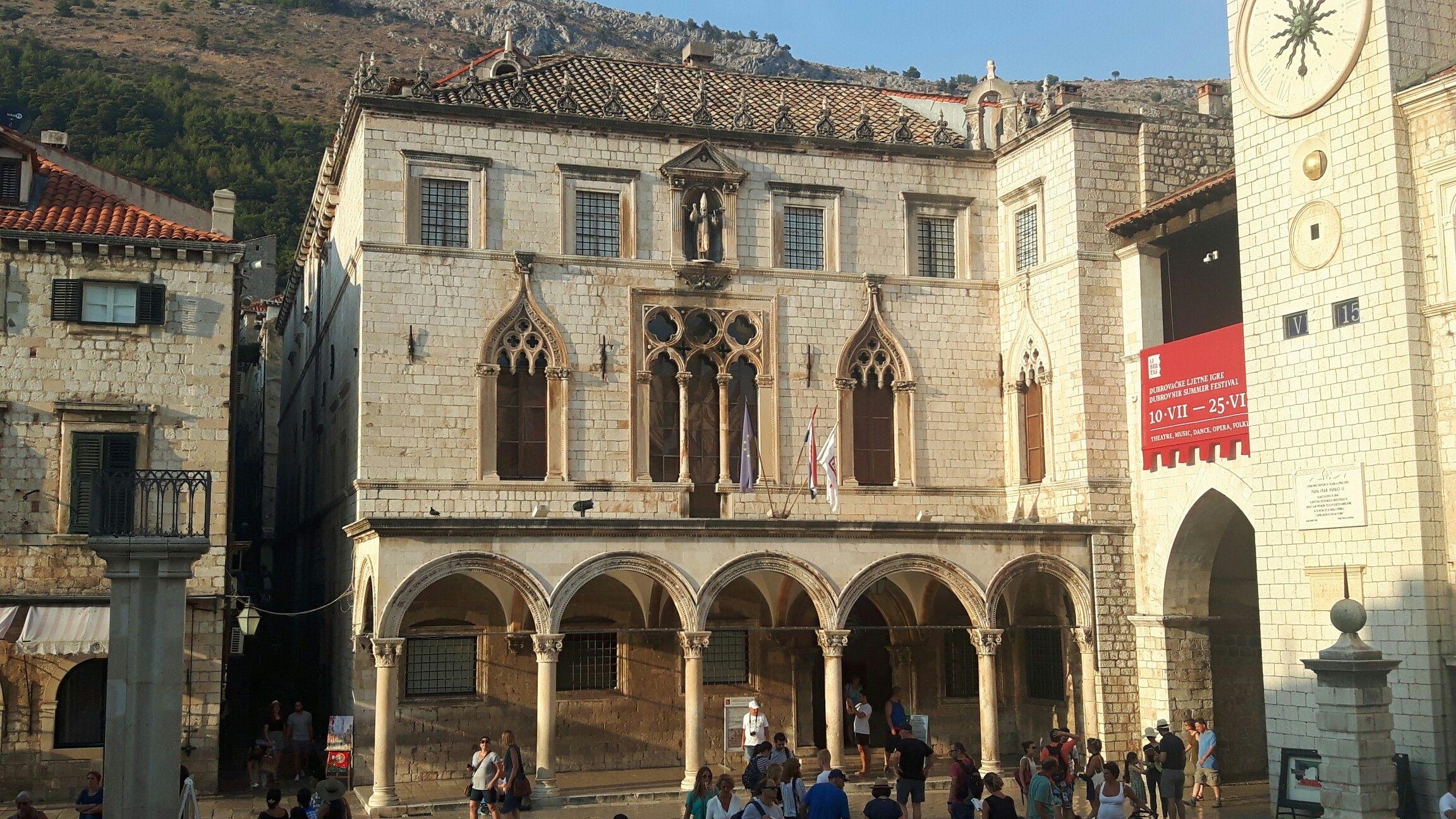 Pin su Medioevo Architettura Italia